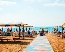 Песчаный пляж гостиницы в Феодосии - фотография № 3