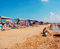 Песчаный пляж гостиницы в Феодосии - фотография № 5