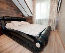 2-х уровневый номер на втором этаже в Феодосии - фотография № 1