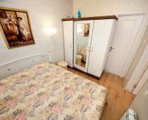 2-х уровневый номер на втором этаже в Феодосии - фотография № 15
