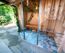 Двор рядом с квартирами - фотография № 1