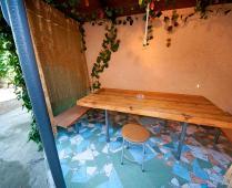 Места для отдыха во дворе. Феодосия рядом с Динамо - фотография № 1