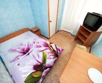 Пансионат в г. Феодосия, 2-х местный номер, улица Клубная - фотография № 1