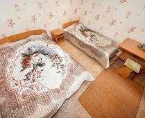 3-х местный номер в пансионате с питанием в г. Феодосия на улице Клубная - фотография № 2